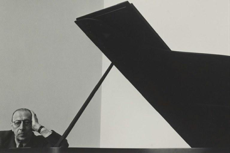 REVISTA CARTACAPITAL - Stravinsky em foto tirada em Nova York- 1946