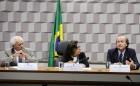 Comissão de Educação, Cultura e Esporte (CE) realiza audiência pública interativa para apresentar a Evolução dos Trabalhos de Implantação da Universidade Federal do Sul da Bahia.   Mesa:  coordenador-geral de Expansão e Gestão das Instituições Federais de Educação Superior do Ministério da Educação (MEC), Antônio Simões;  presidente eventual da CE, senadora Lídice da Mata (PSB-BA);  reitor da Universidade Federal do Sul da Bahia (UFSB), Naomar Monteiro de Almeida Filho   Foto: Edilson Rodrigues/Agência Senado