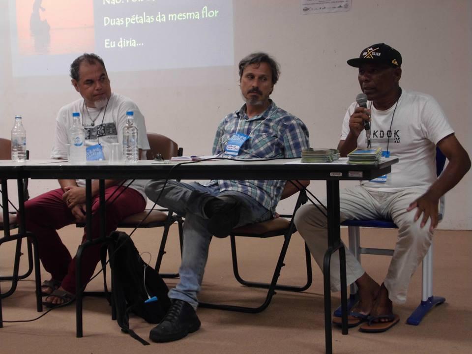 Francisco Souto (UEFS), Rodrigo Moura (UFRJ) e Raimundo Cardoso (extrativista da RESEX Corumbau)